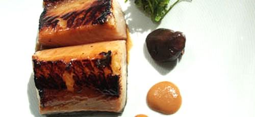 Bacalao negro con miso y verduras al wok